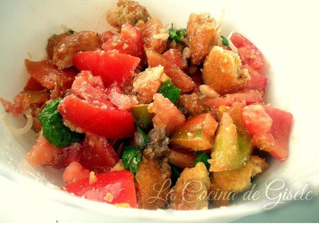 ensalada toscana de tomates